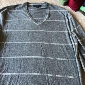 Banana Republic V-neck long sleeve sweater